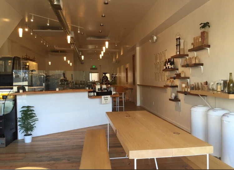 Hearth Coffee Roasterの店内
